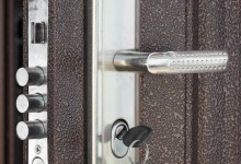 Brighton Locksmith | Chrome Deadlock