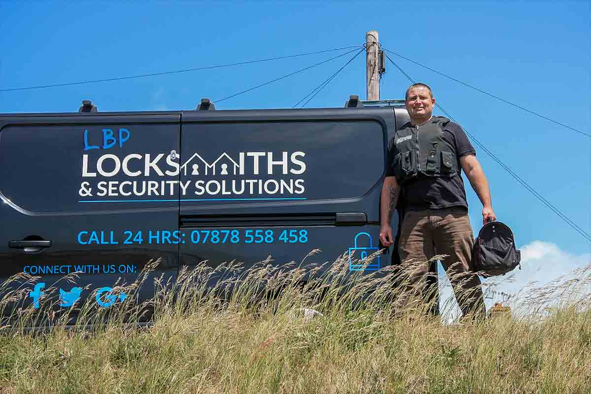 repossession locksmith service
