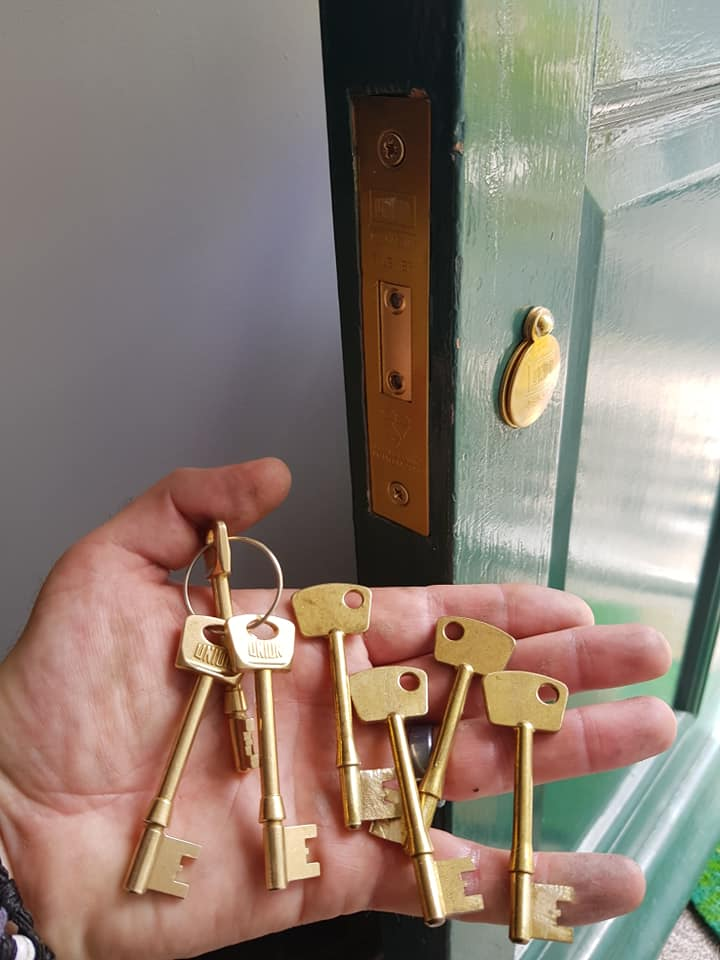 lock change and keys cut